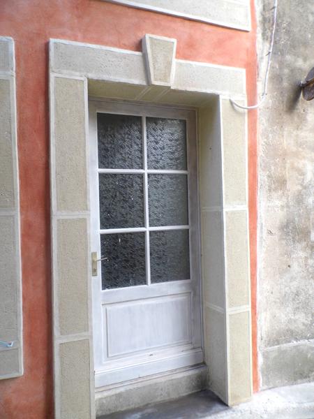 Encadrement de fenêtre à la chaux aérienne dans l'Aude