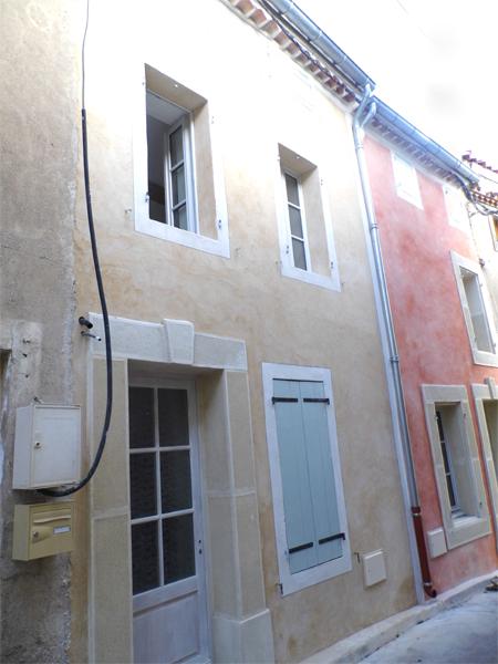 Façade à la chaux aérienne talochée dans l'Aude